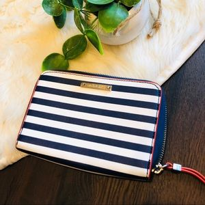 Stella & dot wallet